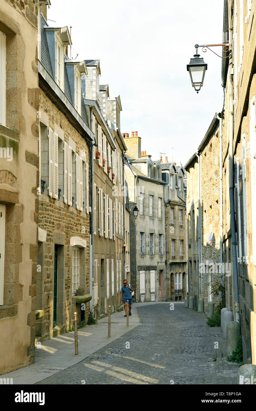 France, Manche, Cotentin, Granville, the Upper Town built on a rocky headland on the far eastern point of the Mont Saint Michel Bay, the upper city, rue Saint-Jean - Stock Image