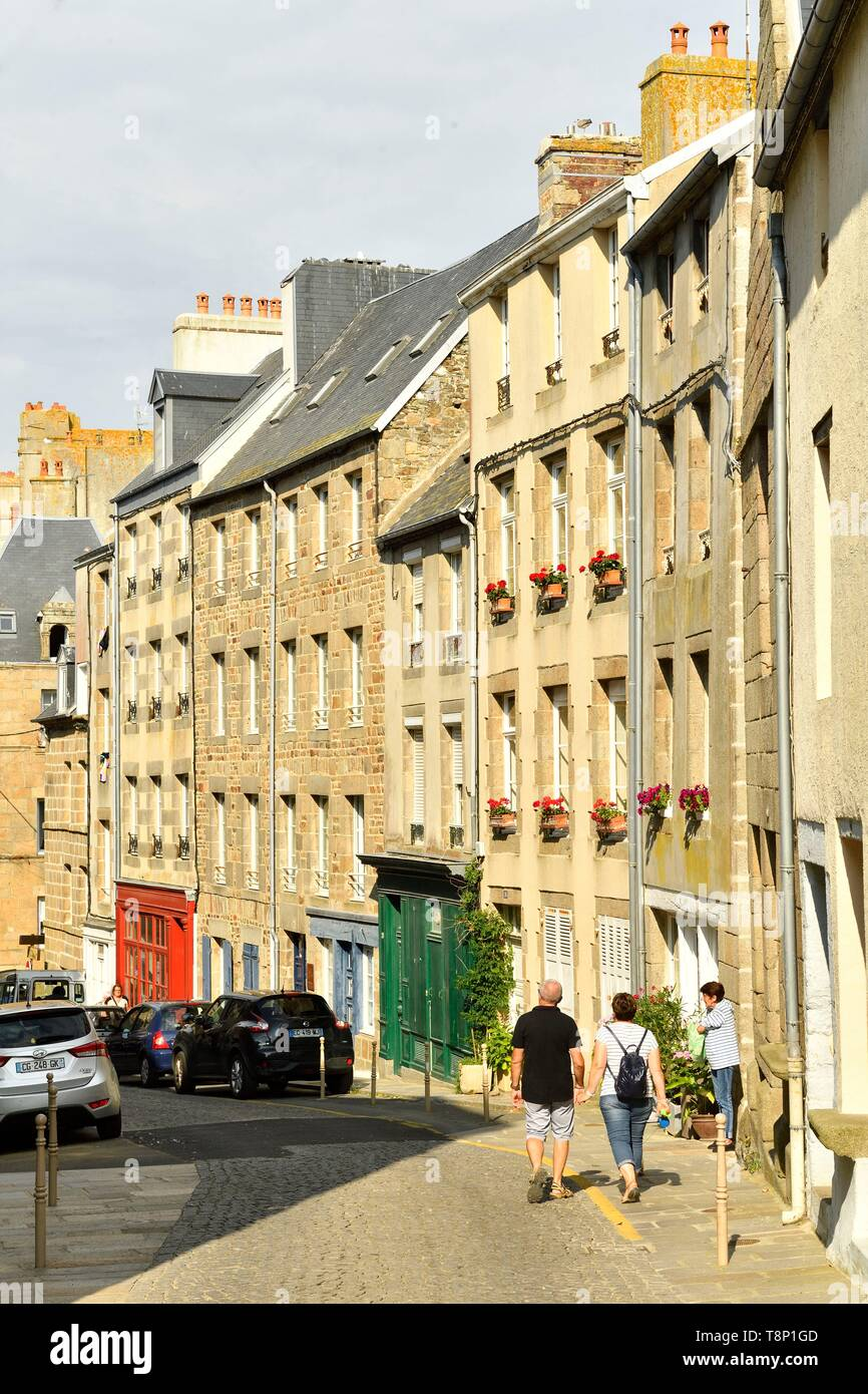 France, Manche, Cotentin, Granville, the Upper Town built on a rocky headland on the far eastern point of the Mont Saint Michel Bay, the upper city, rue Notre-Dame - Stock Image