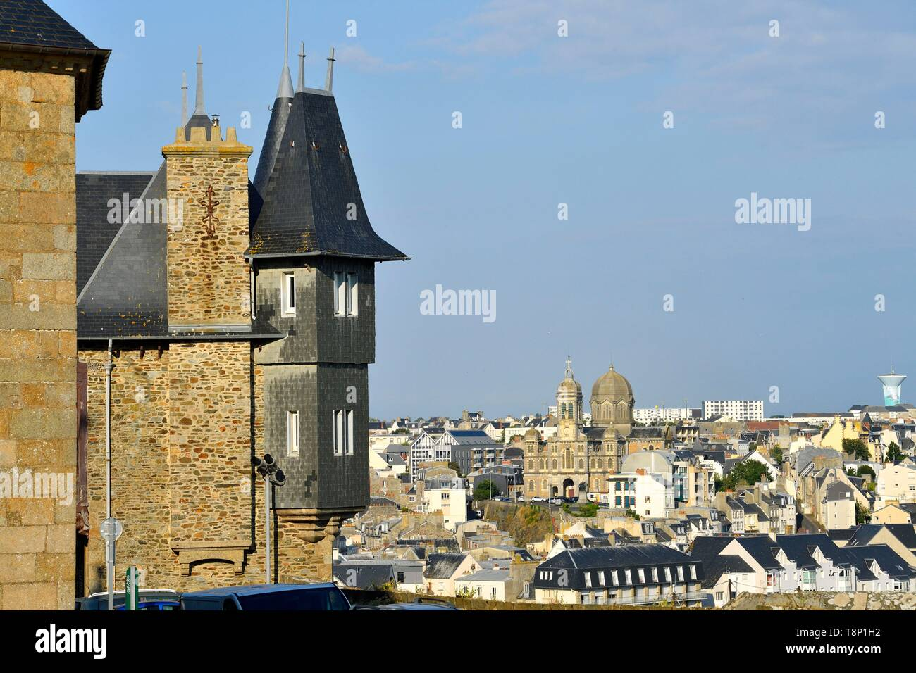France, Manche, Cotentin, Granville, the Upper Town built on a rocky headland on the far eastern point of the Mont Saint Michel Bay, in the background Saint Paul church - Stock Image