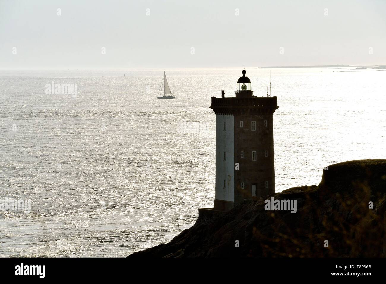 France, Finistere, Iroise see, Armorique Regional natural park, Le Conquet, Kermorvan peninsula, lighthouse Stock Photo
