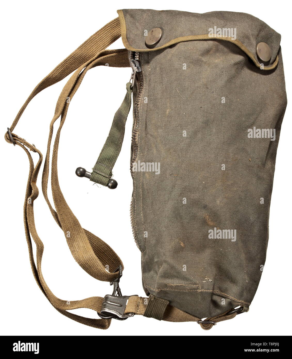A gas mask bag for paratroopers without visible code or maker Field-green, fine, meticulously stitched linen web material, the reverse inside with compartment for anti-fogging discs, underneath sturdy leather edging. The cover with large PRYM push buttons, lateral zip closure, the slide signed 'Riachl' and extended by webbing with a wooden toggle. Khaki coloured carry straps. historic, historical, 20th century, Editorial-Use-Only - Stock Image