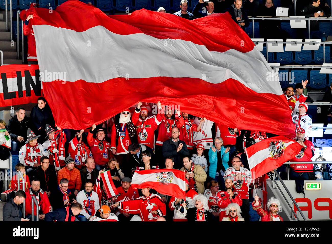 Bratislava, Slovakia. 14th May, 2019. Fans of Austria in action during the match Switzerland against Austria at the 2019 IIHF World Championship in Bratislava, Slovakia, on May 14, 2019. Credit: Vit Simanek/CTK Photo/Alamy Live News Stock Photo