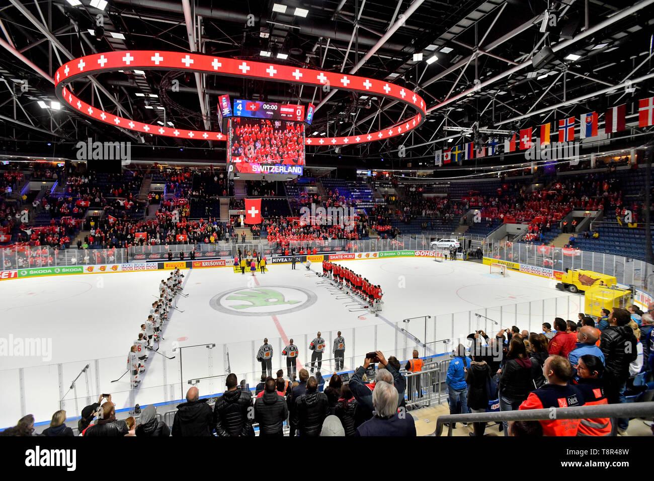 Bratislava, Slovakia. 14th May, 2019. Players listen the Swiss national anthem after the match Switzerland against Austria at the 2019 IIHF World Championship in Bratislava, Slovakia, on May 14, 2019. Credit: Vit Simanek/CTK Photo/Alamy Live News Stock Photo