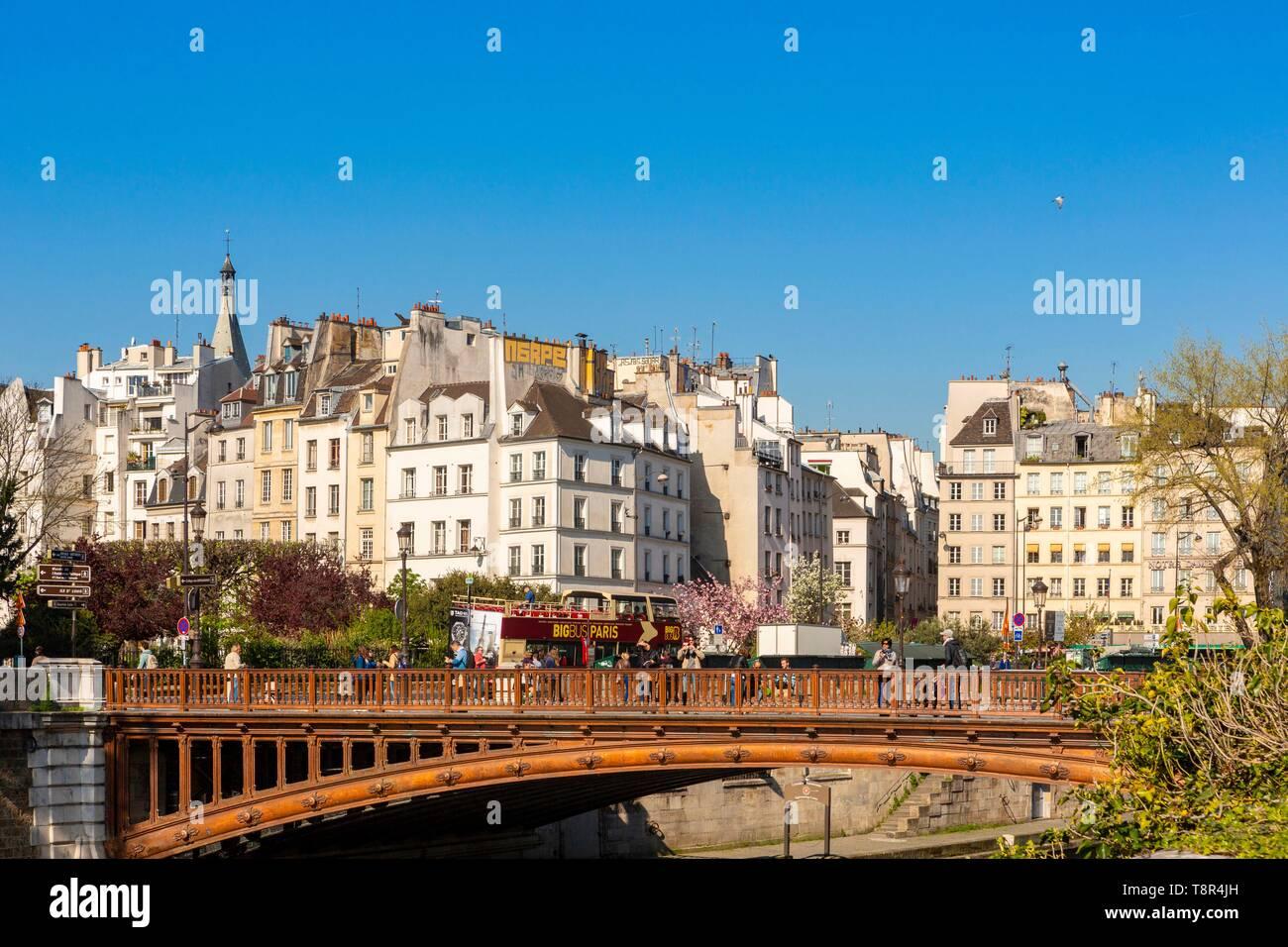 France, Paris, Saint Michel district, the double bridge - Stock Image