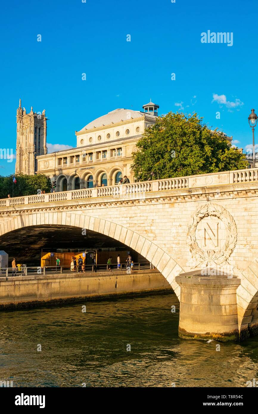 France, Paris, area listed as World Heritage by UNESCO, the banks of the Seine, the Change Bridge - Stock Image