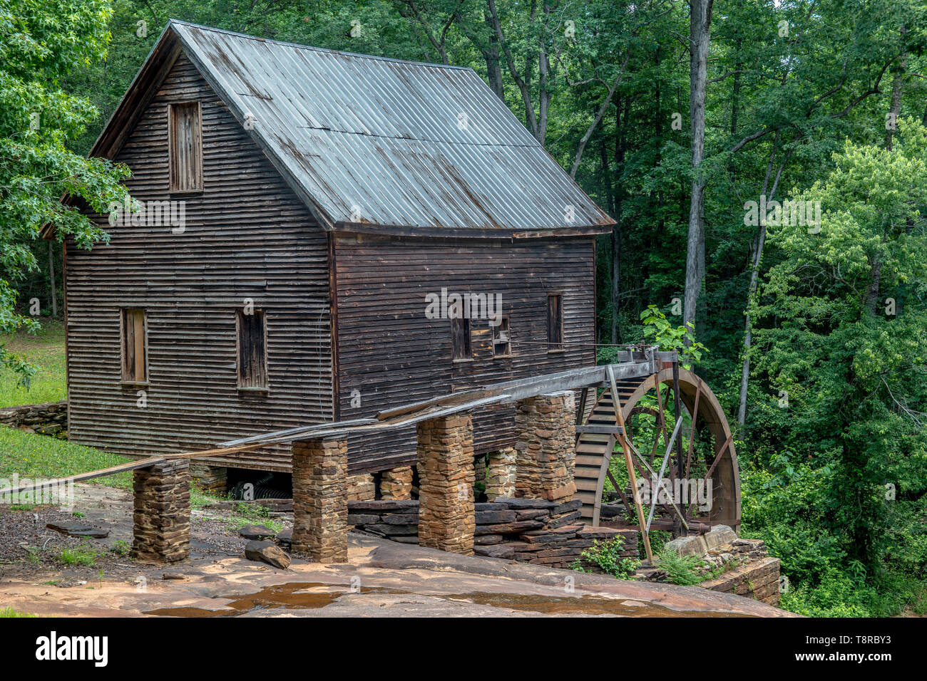 Historic mill in Homer, Georgia in good condition but not operating. It was built during the civil war - Stock Image