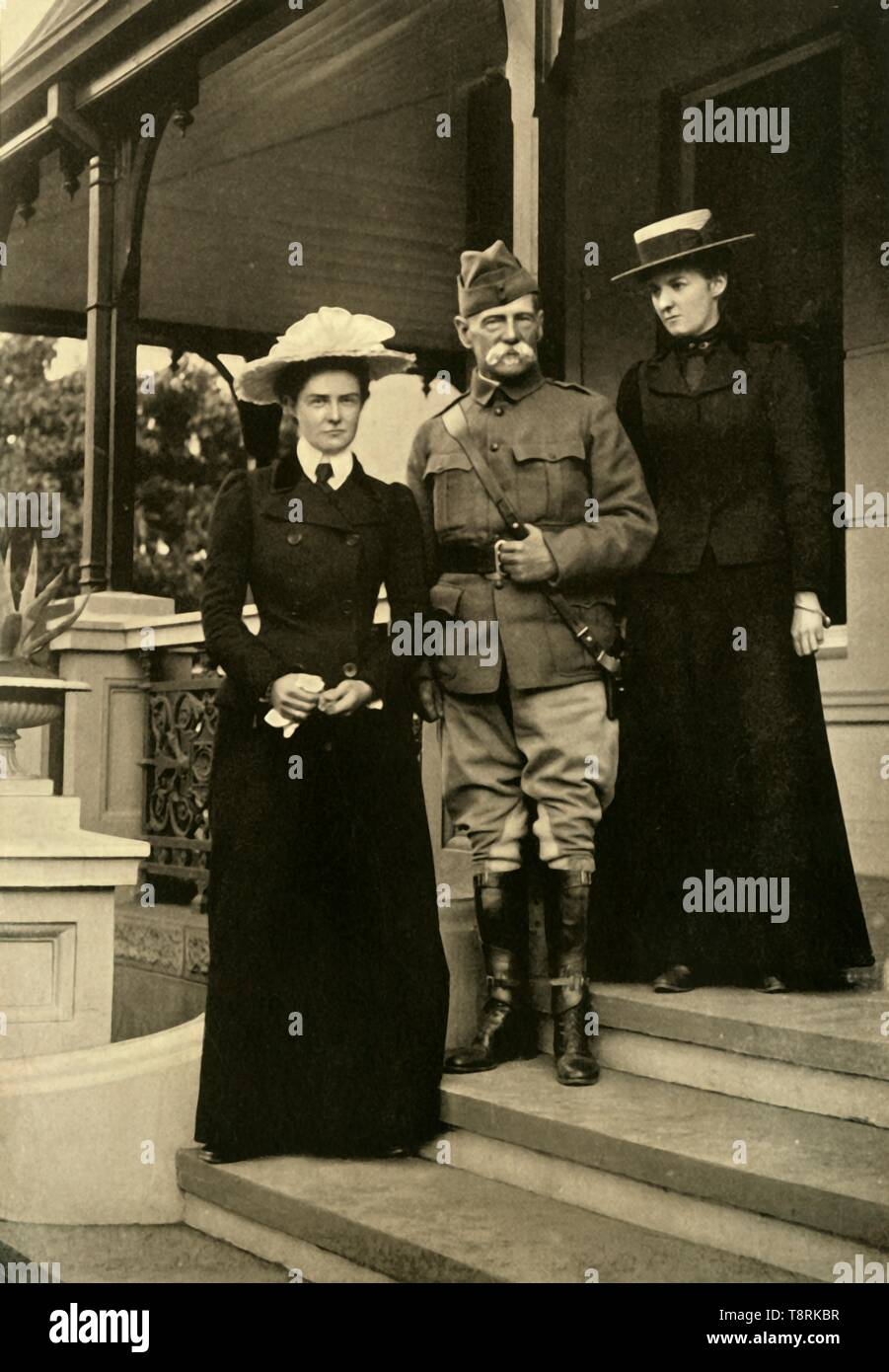 'Lord Roberts and his Daughters at Pretoria', 1900, (1901).  Creator: Horace Walter Nicholls. - Stock Image