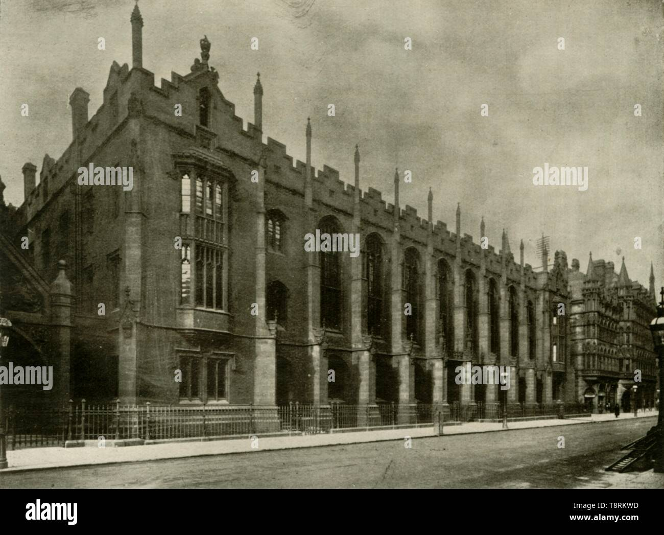 """King Edward's School, Birmingham, 1906. The building was designed in Neo-Gothic style by Sir Charles Barry, and completed in 1837. It was demolished in the 1930s. From """"The Burlington Magazine for Connoisseurs"""", Volume VIII, October 1905 - March 1906. [The Burlington Magazine Ltd, London, 1906] - Stock Image"""