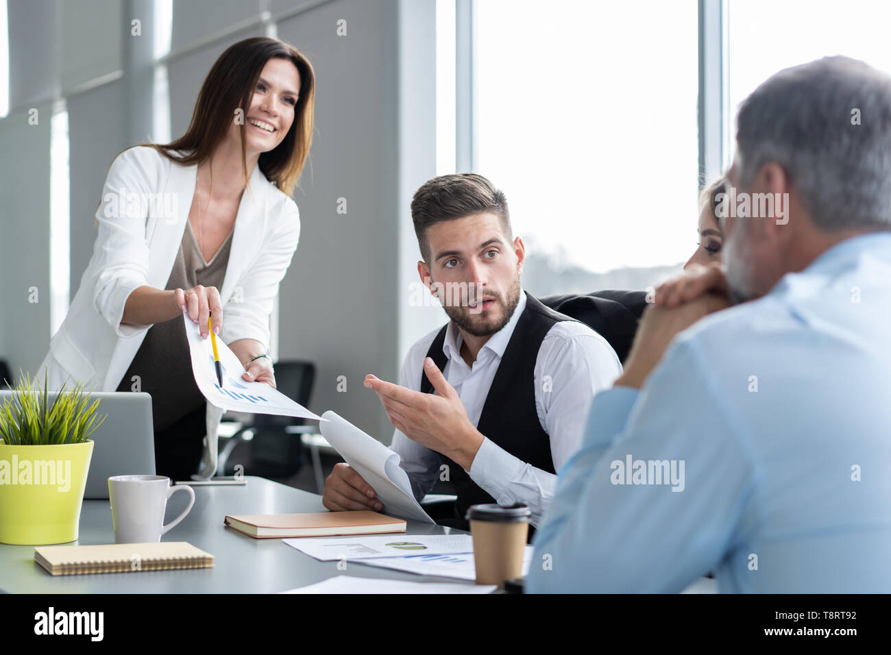 Strange Businesswoman Leads Meeting Around Table Discussion Talking Beutiful Home Inspiration Ommitmahrainfo