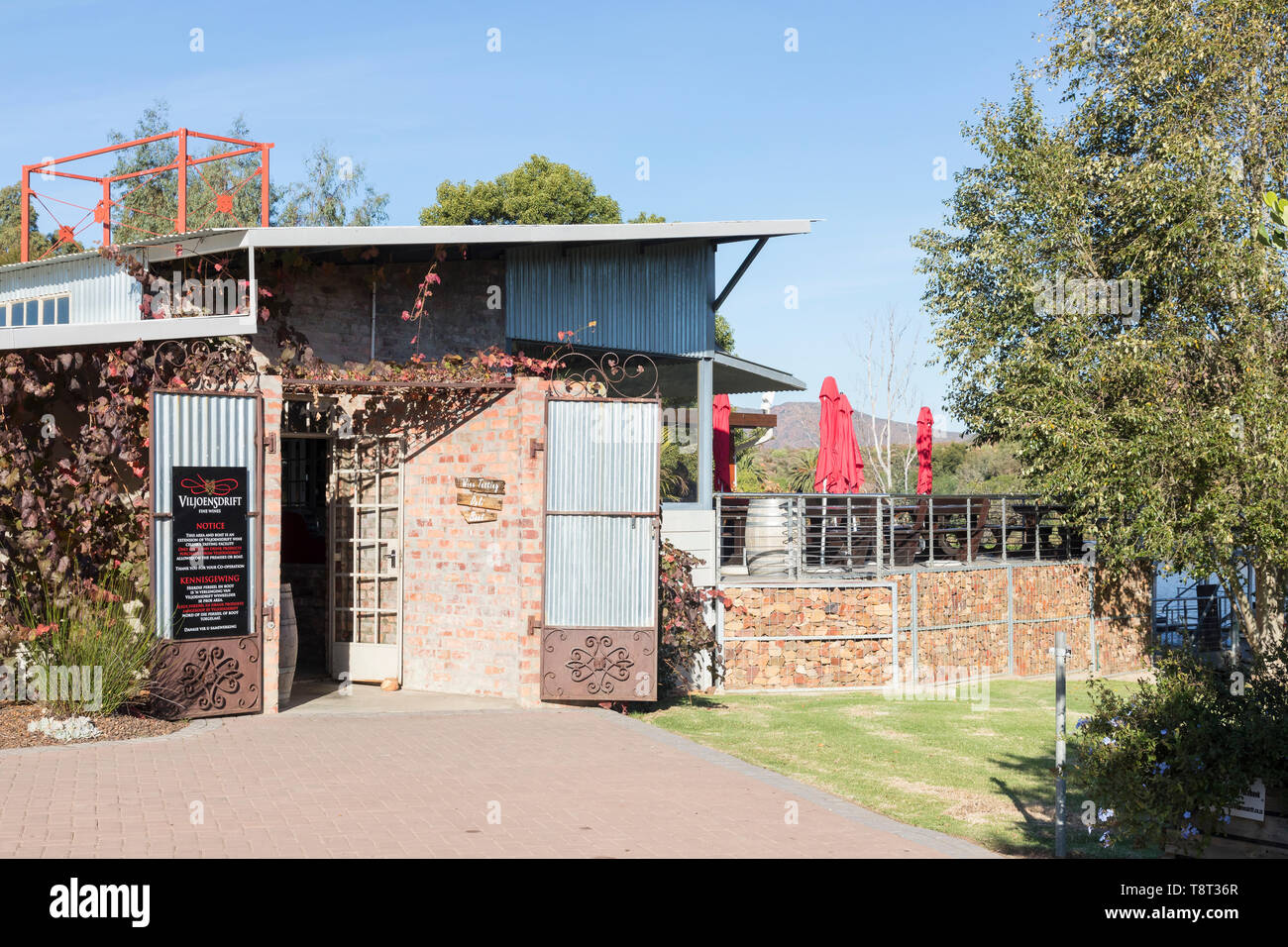 Viljoensdrift Wine Estate, Robertson Wine Valley, Route 62, Breede River, Western Cape Winelands, South Africa. Entrance to the Breede River wine tast - Stock Image