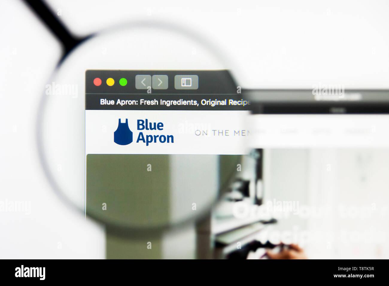 Blue Apron Logo Stock Photos & Blue Apron Logo Stock Images