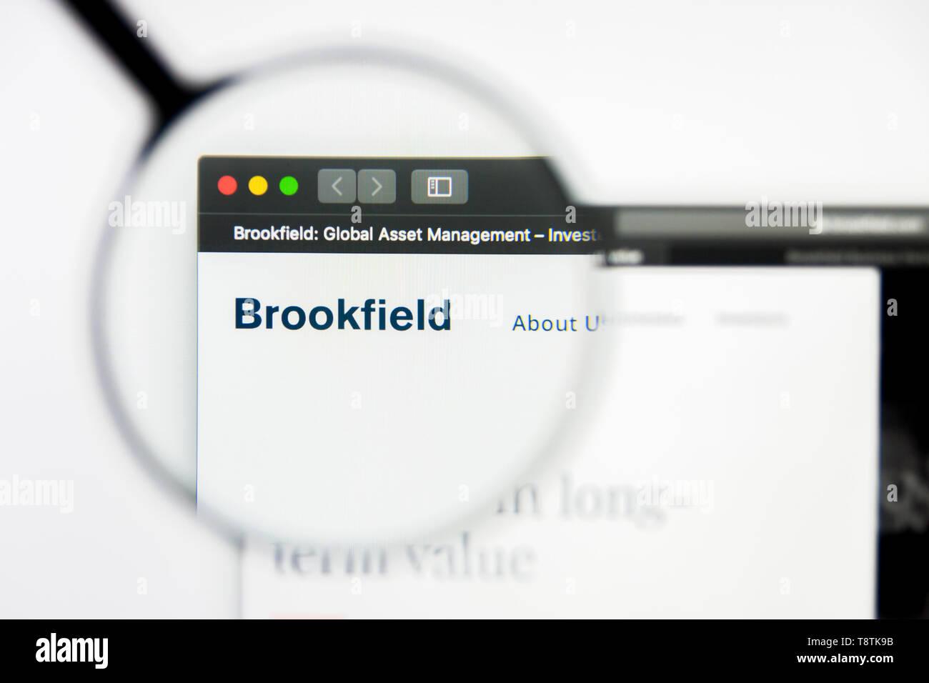 Richmond, Virginia, USA - 9 May 2019: Illustrative Editorial of Brookfield website homepage. Brookfield logo visible on screen. Stock Photo