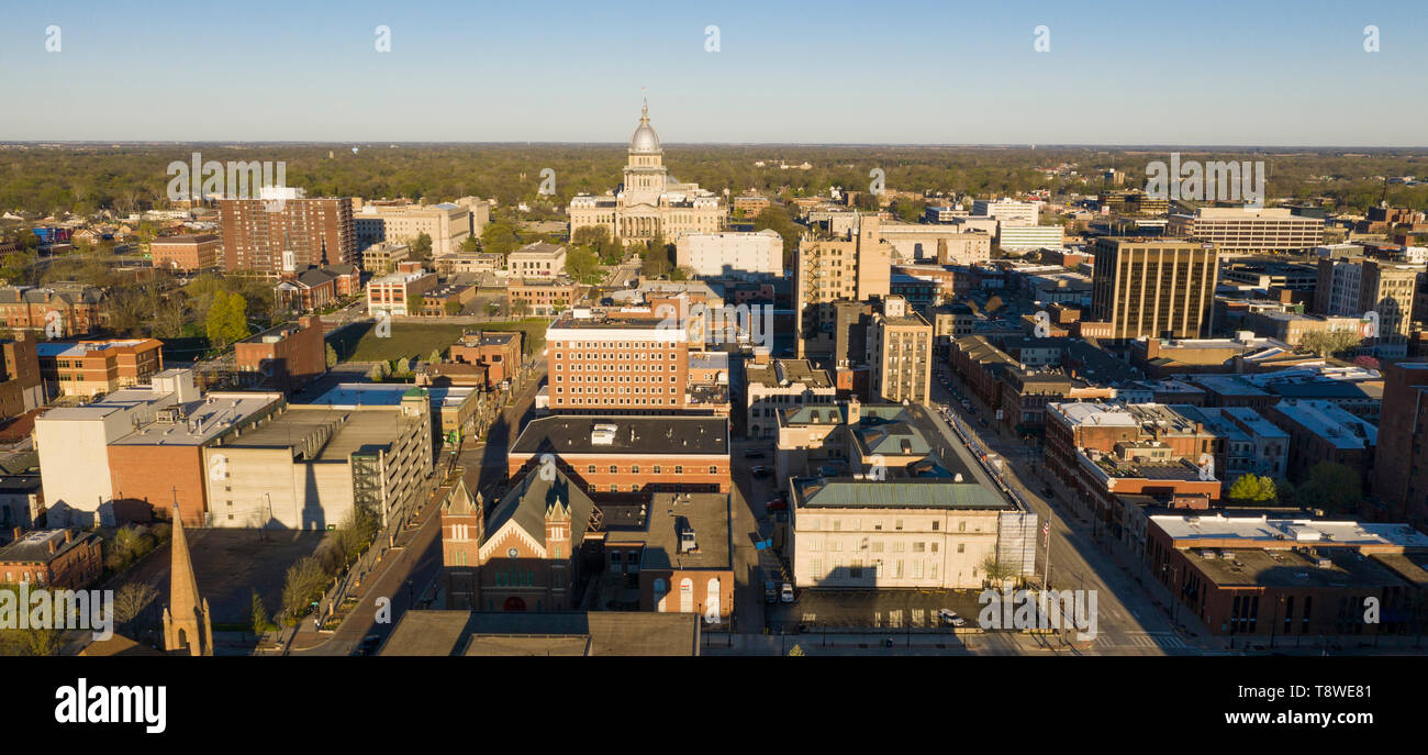 Dawn Light Hits Downtown State Capitol Building Sprigfield Illinois - Stock Image