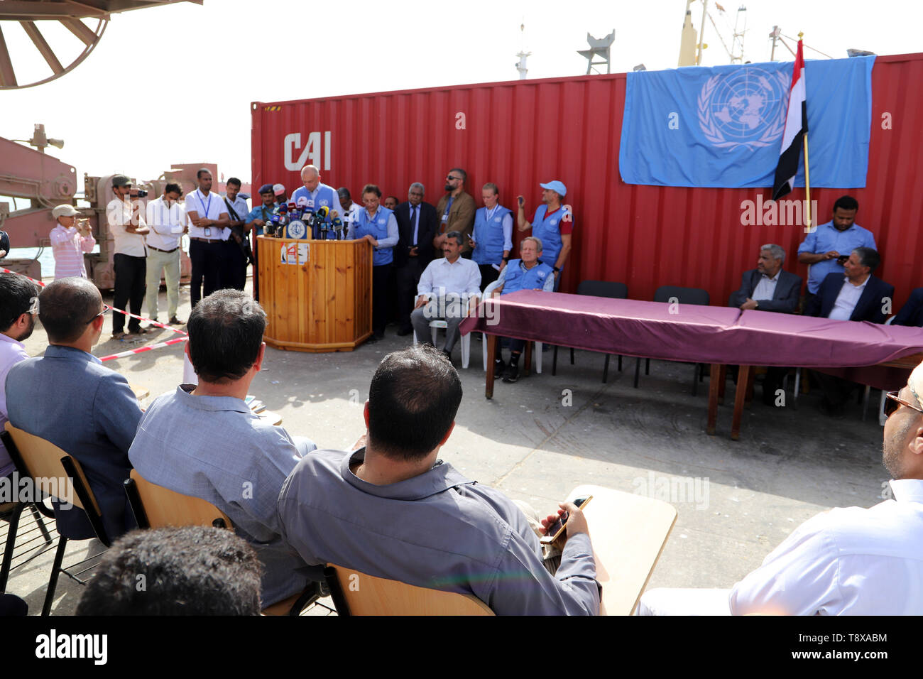 (190515) --  HODEIDAH, May 15, 2019 (Xinhua) -- The Redeployment Coordination Committee holds a press conference at the Hodeidah port in Hodeidah, Yemen, on May 14, 2019. The UN monitoring mission in Yemen on Tuesday welcomed the Houthi rebels' handover of the security of Hodeidah ports to the coast guards. (Xinhua) - Stock Image