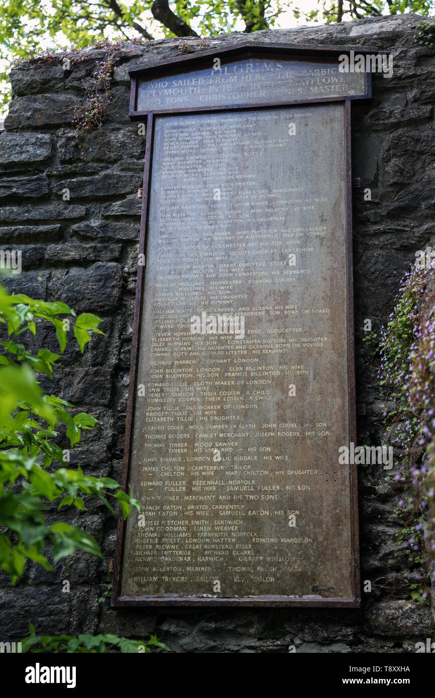Mayflower Pilgrims travellers board at the Elizabethan Gardens, Plymouth - Stock Image