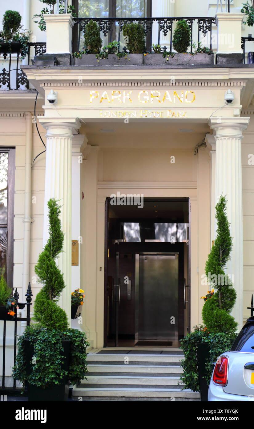 Entrance To The Park Grand Hotel At Westbourne Terrace Paddington London Uk Stock Photo Alamy