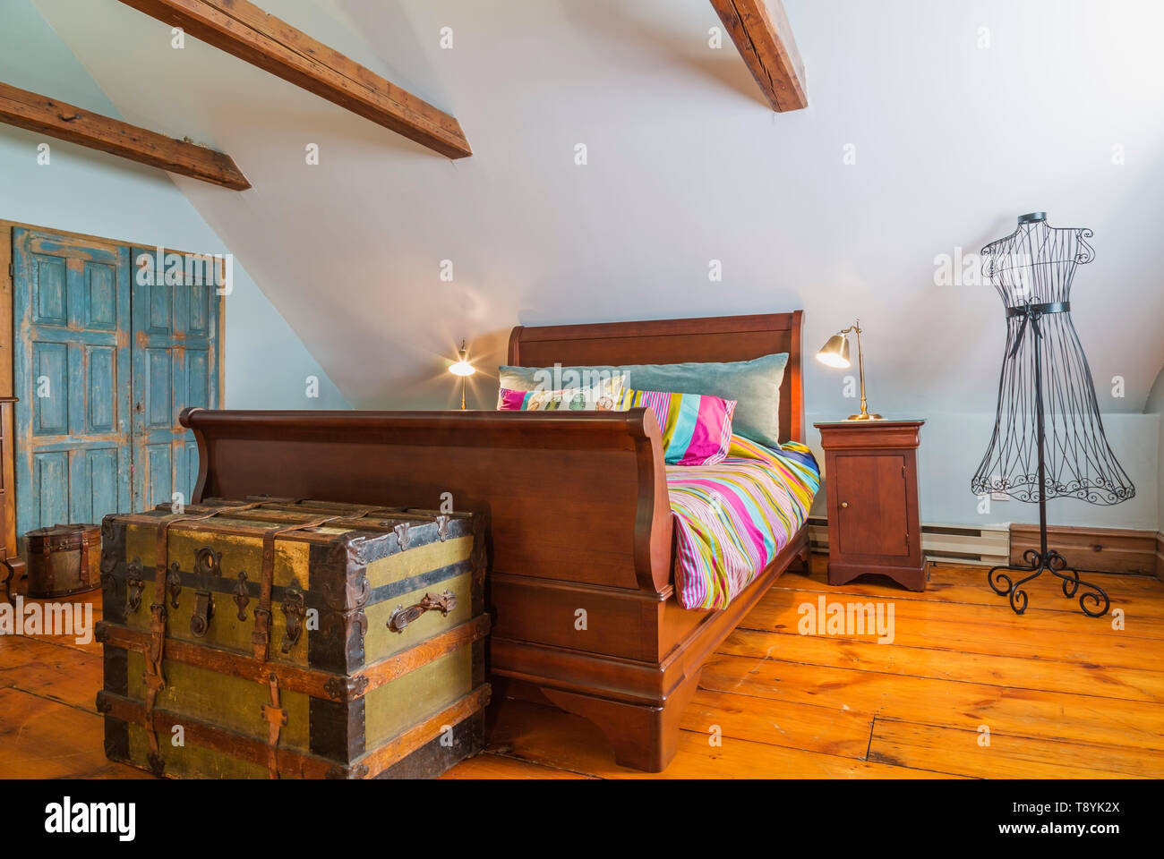 Sleigh Bed High Resolution Stock Photography And Images Alamy