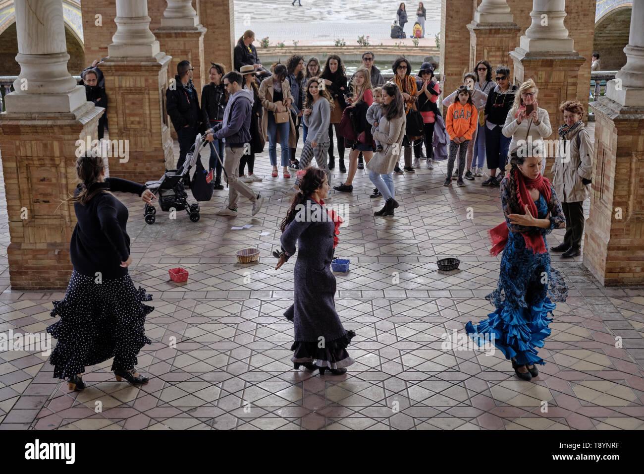 April 2019 - traditional spanish street falmenco dancer at the main square Plaza de Espana in Andalisia Seville Spain - Stock Image