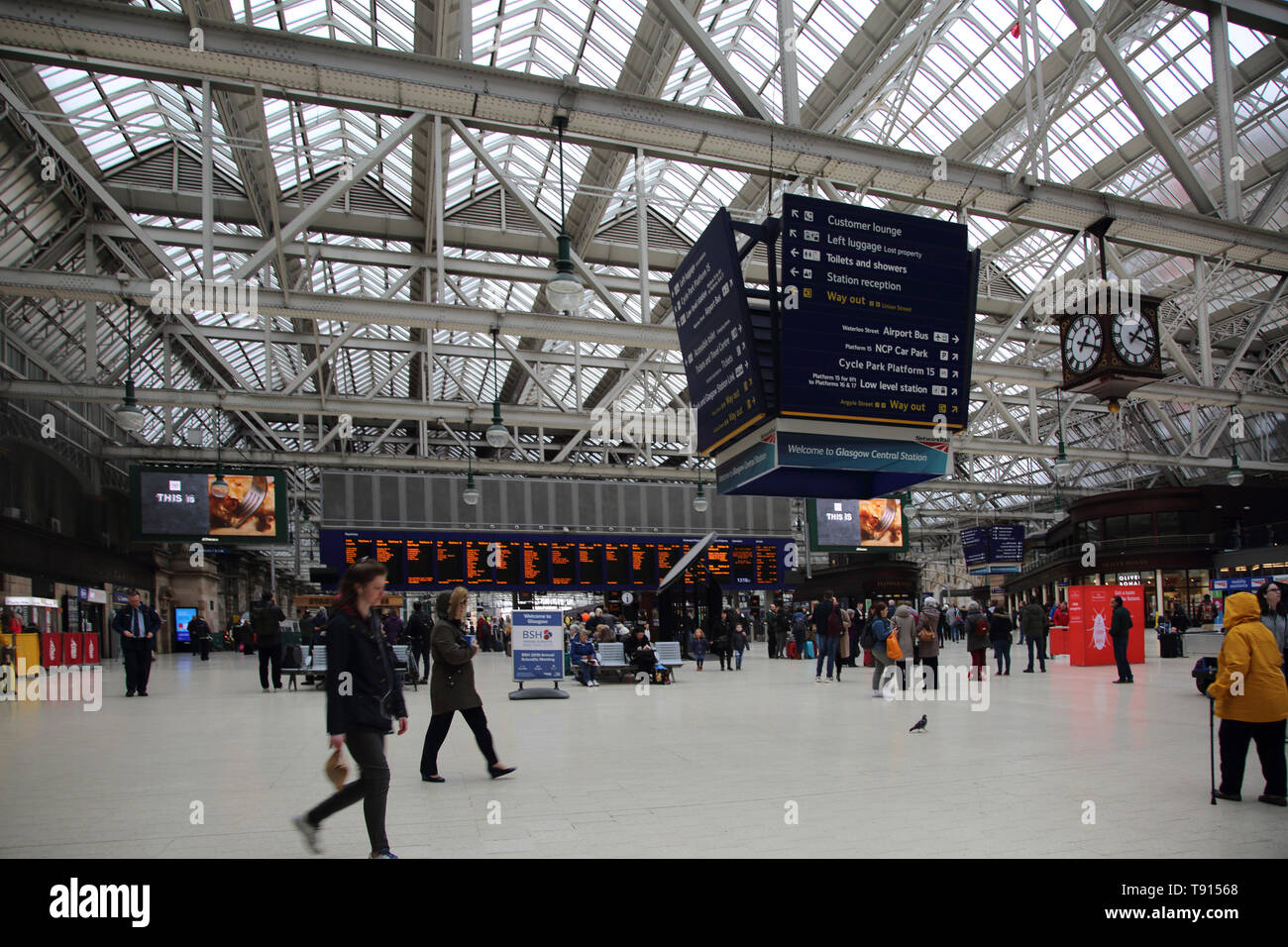 Glasgow Scotland Glasgow Central Station Concourse - Stock Image