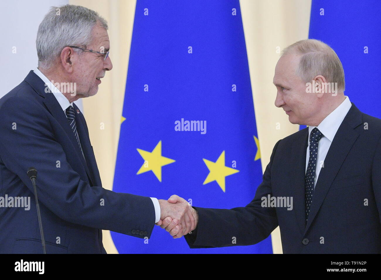 SOCHI, RUSSIA – MAY 15, 2019: Austria's President Alexander Van der Bellen (L) shakes hands with Russia's President Vladimir Putin during a joint news conference following their talks, at the Rus health resort. Alexei Druzhinin/Russian Presidential Press and Information Office/TASS Stock Photo
