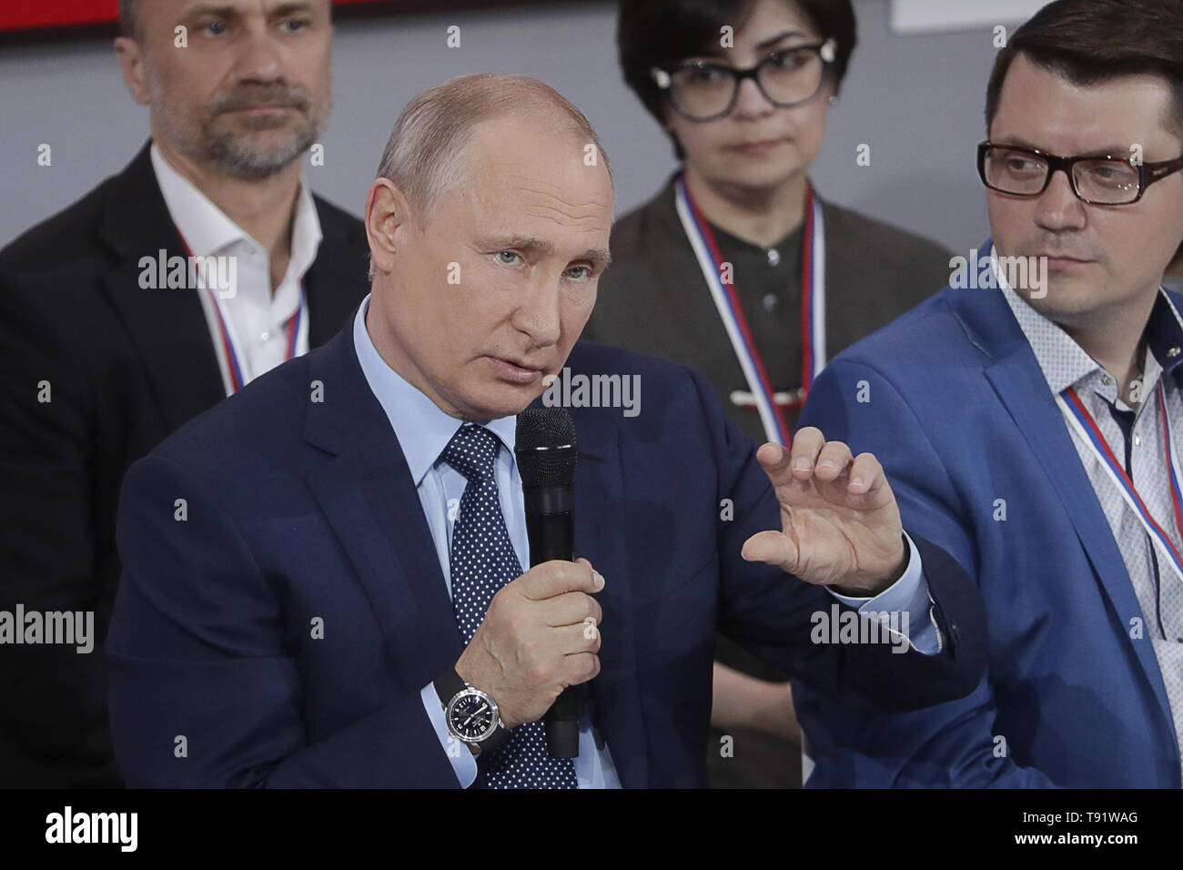 Sochi, Russia. 16th May, 2019. SOCHI, RUSSIA - MAY 16, 2019: Russia's President Vladimir Putin (front) speaks at the plenary meeting at the Independent Local and Regional Media Forum held by the All-Russian People's Front. Mikhail Metzel/TASS Credit: ITAR-TASS News Agency/Alamy Live News - Stock Image