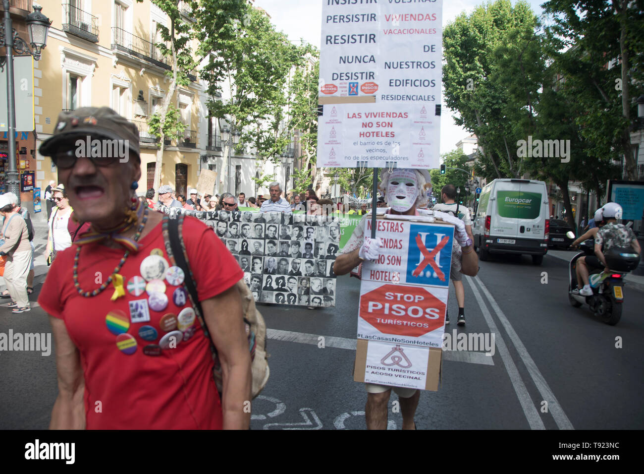 In the picture a man with a placard, stop corruption in Madrid. 8 years celebration of the political project in Madrid 15 m, the people of Madrid took - Stock Image