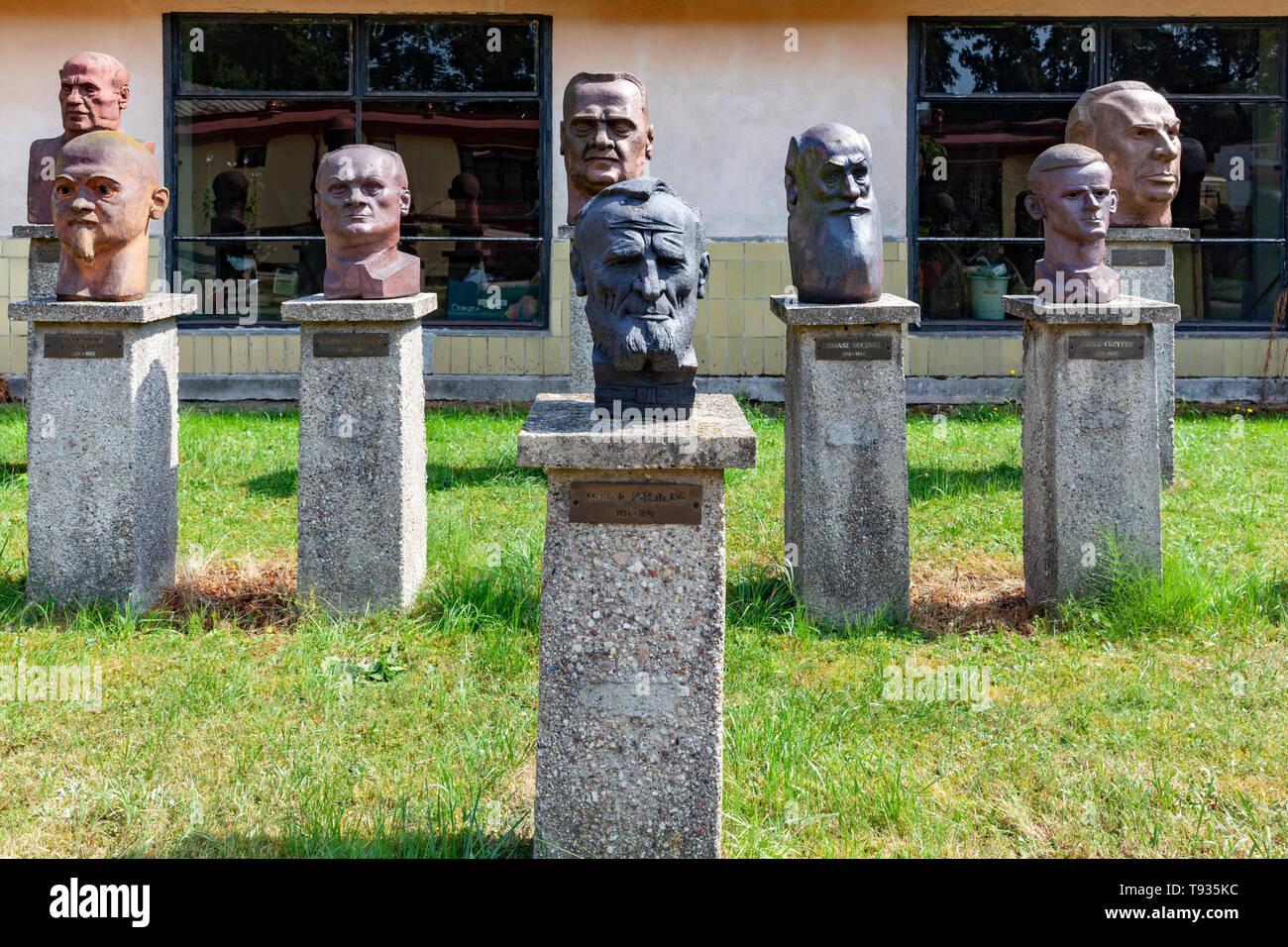 Ciechanowiec open-air museum, gallery of portrait sculptures, Poland, Europe - Stock Image