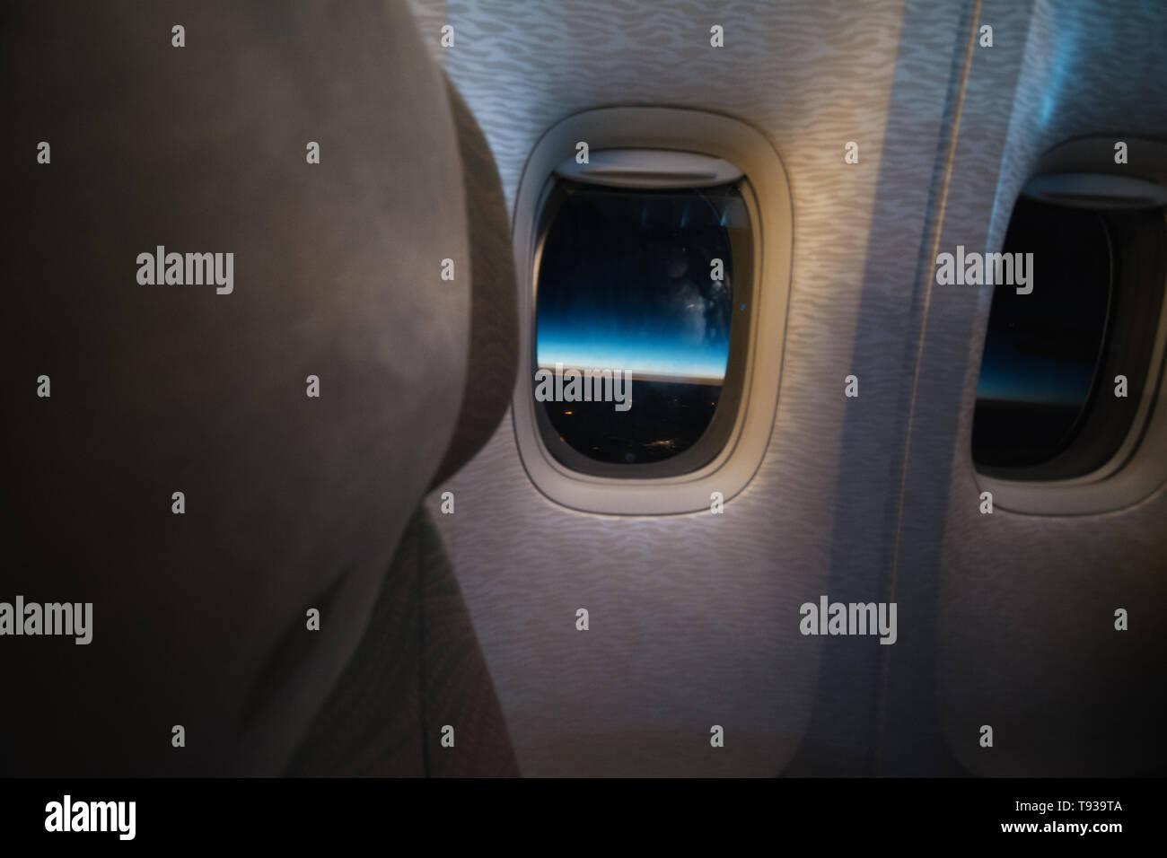Sonnenaufgang im Flugzeug über Asien in einem Airbus A 380 - Stock Image