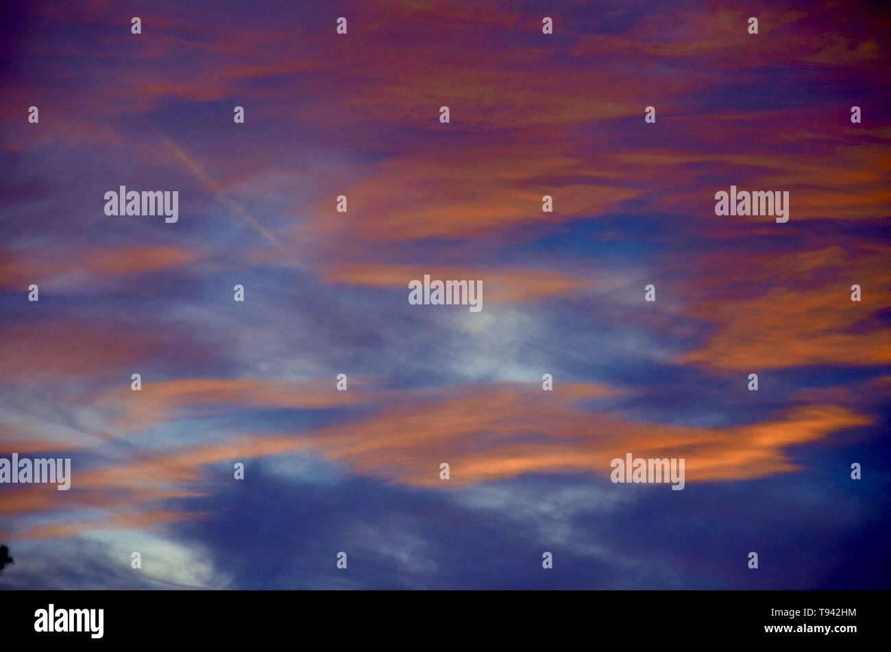 Himmel im Sonnenuntergang - Stock Image