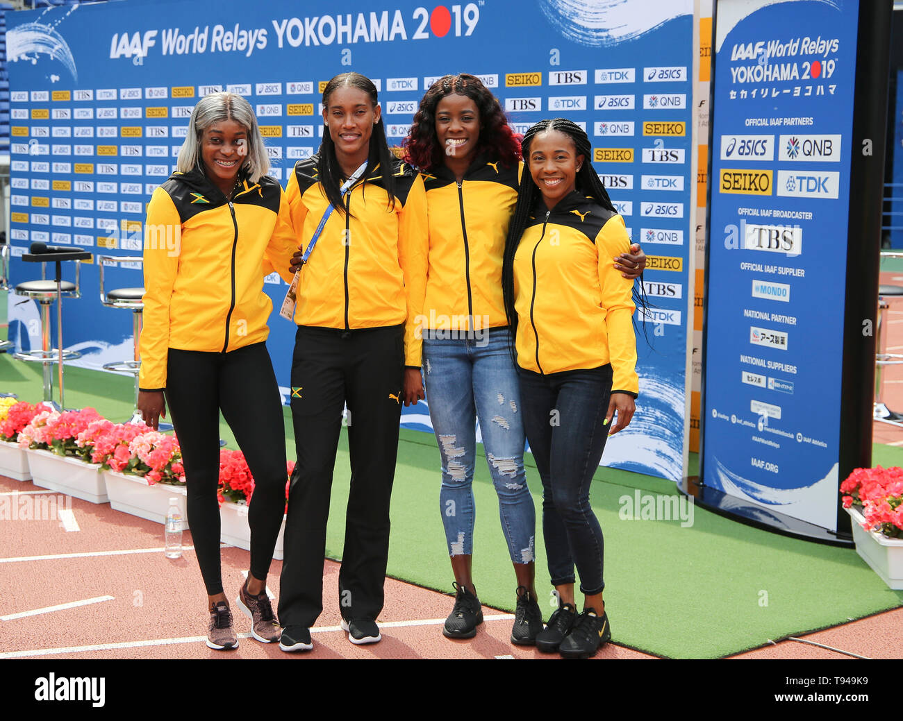 YOKOHAMA, JAPAN - MAY 10: Jamaica's women's 4x200m team (Shelly-Ann Fraser-Pryce, Shericka Jackson, Stephenie Ann McPherson, Elaine Thompson)  during the official press conference of the 2019 IAAF World Relay Championships at the Nissan Stadium on May 10, 2019 in Yokohama, Japan. (Photo by Roger Sedres for the IAAF) - Stock Image
