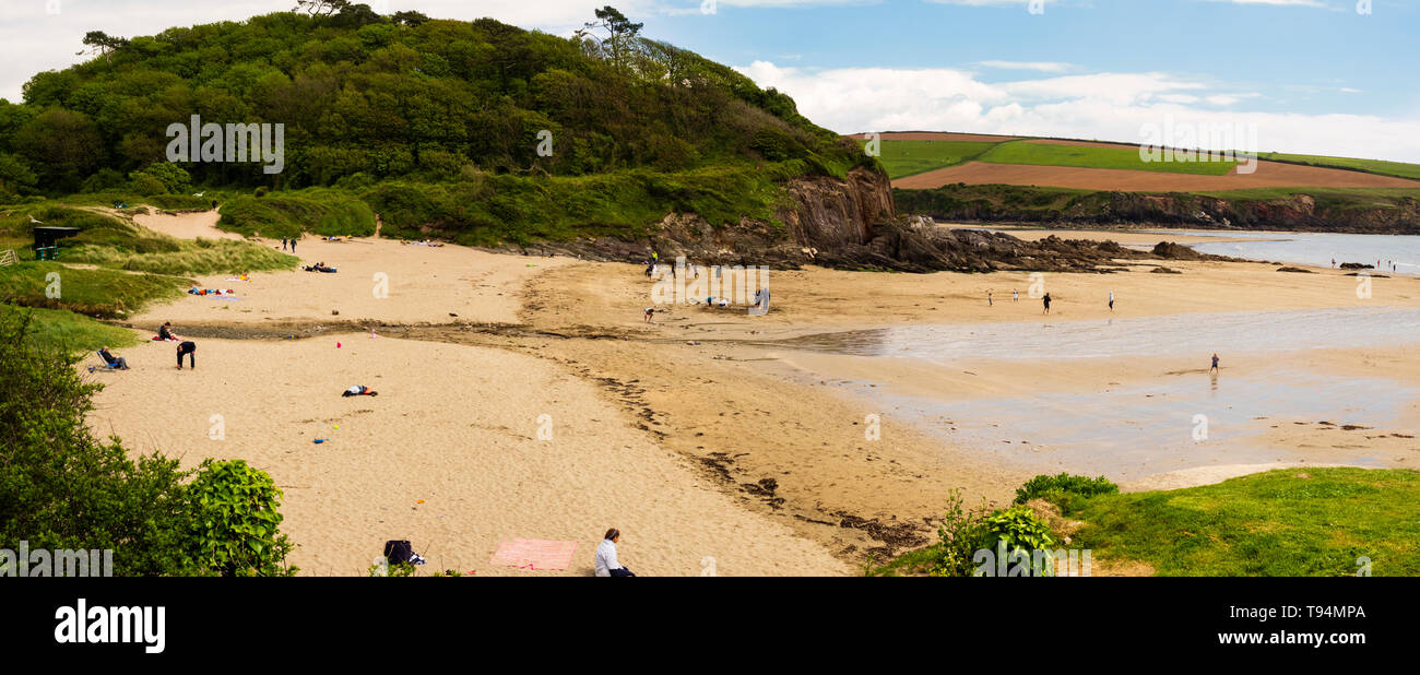 Panoramic view over Meadowsfoot Beach, Mothecombe, South Devon, a sandy cove at the mouth of the River Erme - Stock Image