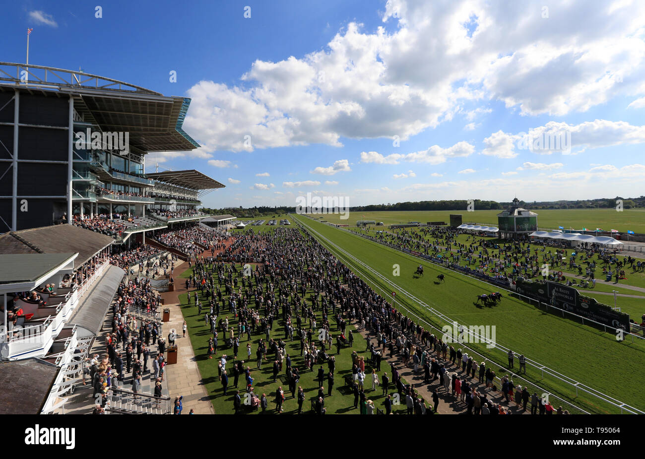 Runners and Riders during The British Stallion Studs EBF Westow Stakes during day two of the Dante Festival at York Racecourse. - Stock Image