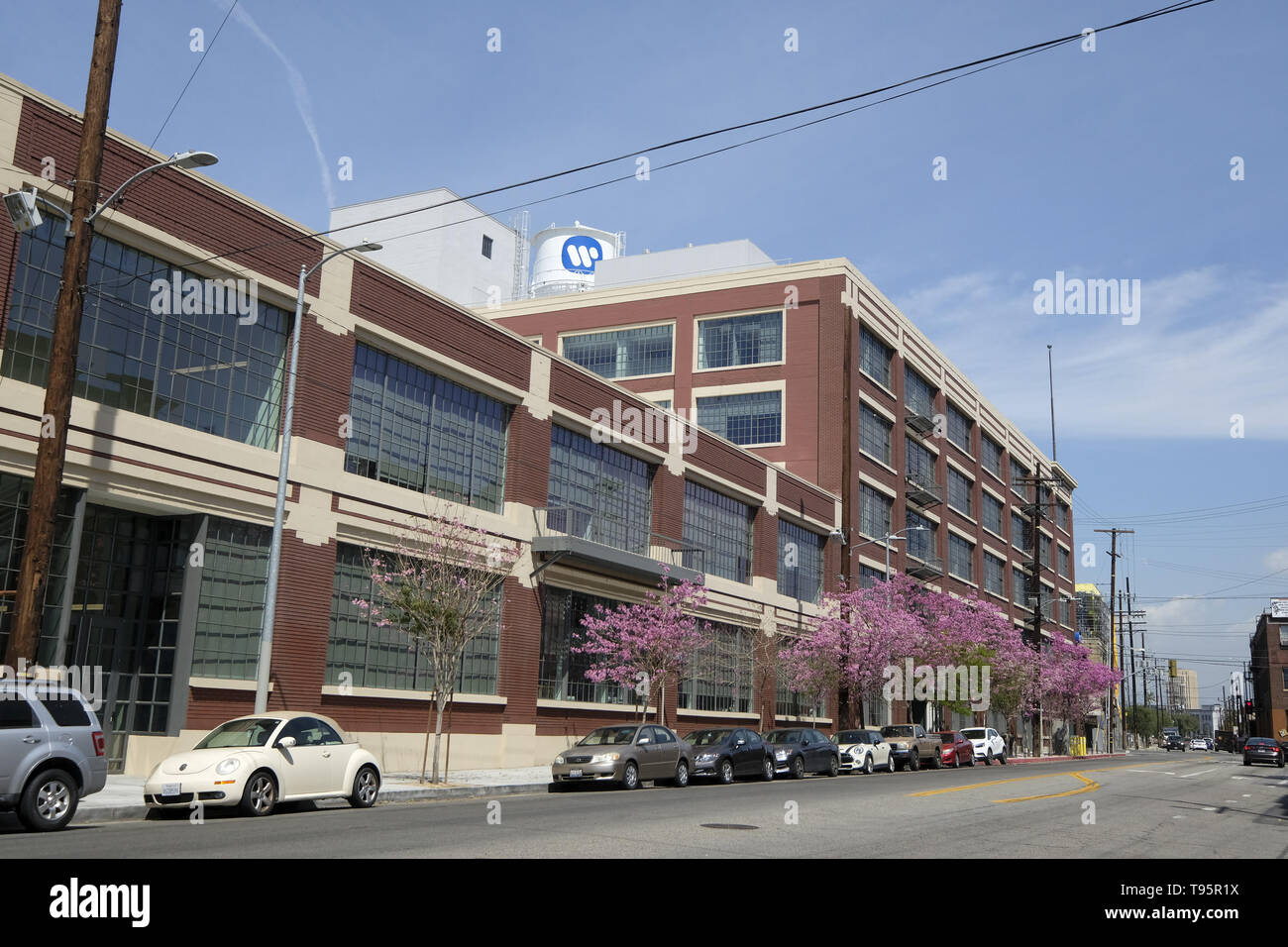 Los Angeles, California, USA. 9th Apr, 2019. Warner Music Group's new West Coast Headquaters at the Arts District in downtown Los Angeles. Credit: Ringo Chiu/ZUMA Wire/Alamy Live News - Stock Image
