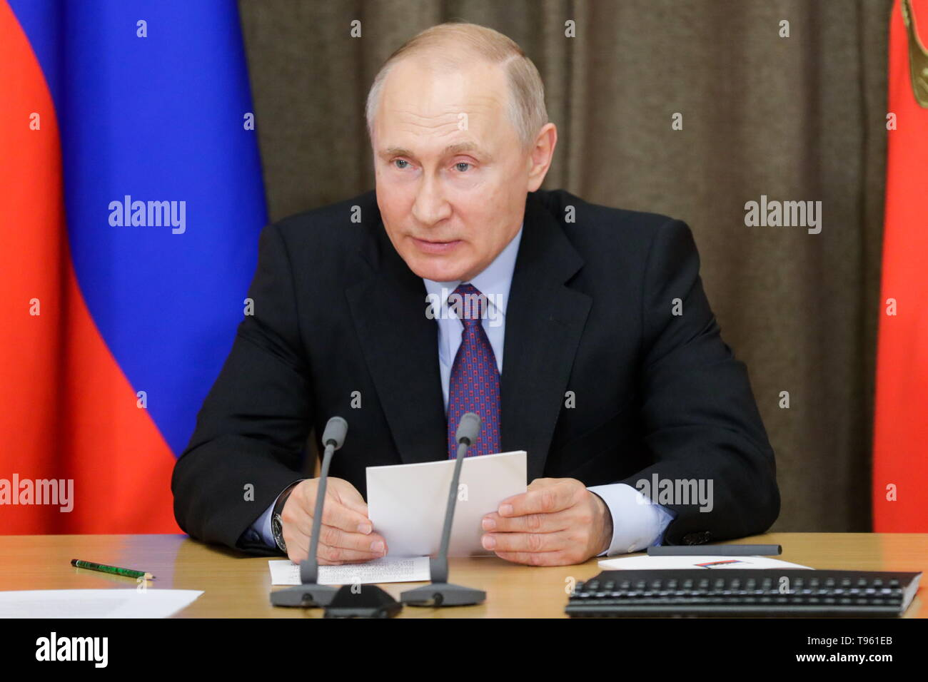 Sochi, Russia. 17th May, 2019. SOCHI, RUSSIA - MAY 17, 2019: Russia's President Vladimir Putin holds a meeting at Bocharov Ruchei residence to discuss development prospects for the Russian Aerospace Forces. Mikhail Metzel/TASS Credit: ITAR-TASS News Agency/Alamy Live News - Stock Image