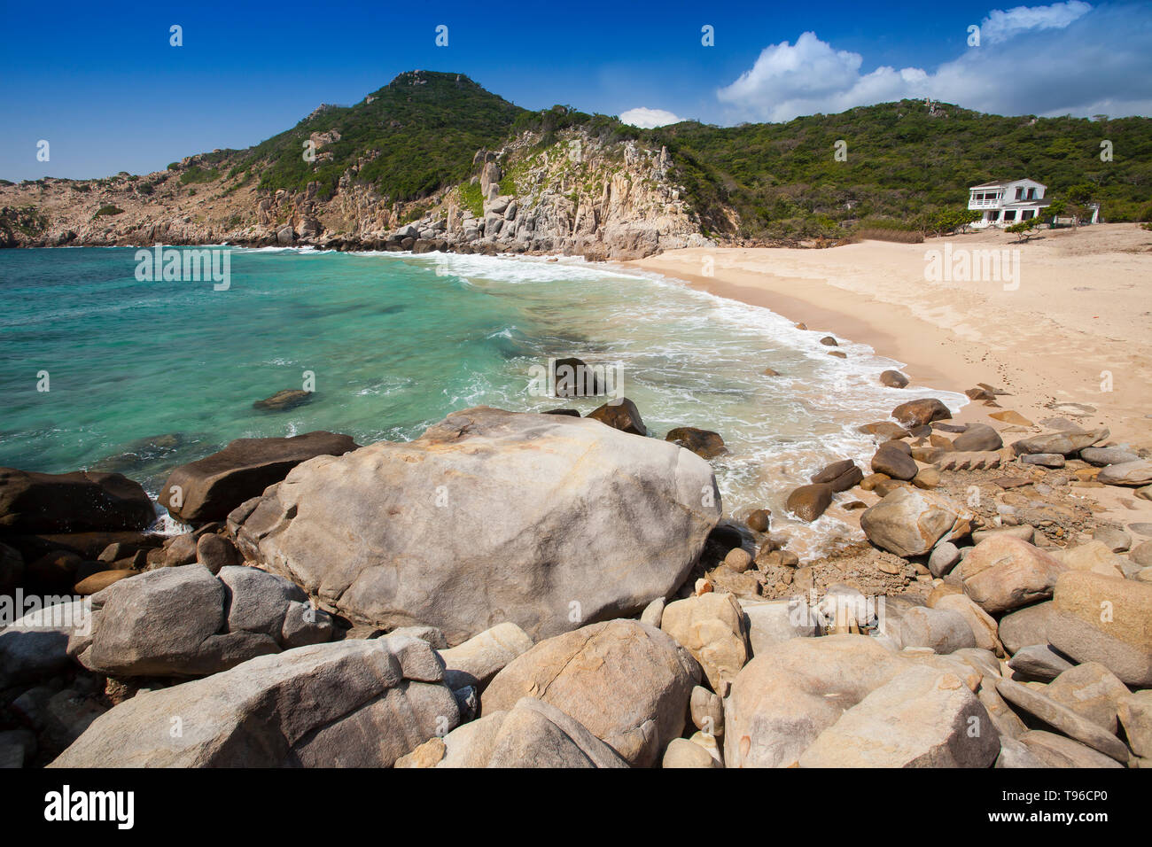 Lonely located beach at Vinh Hy, south china sea, Ninh Thuan, Vietnam - Stock Image