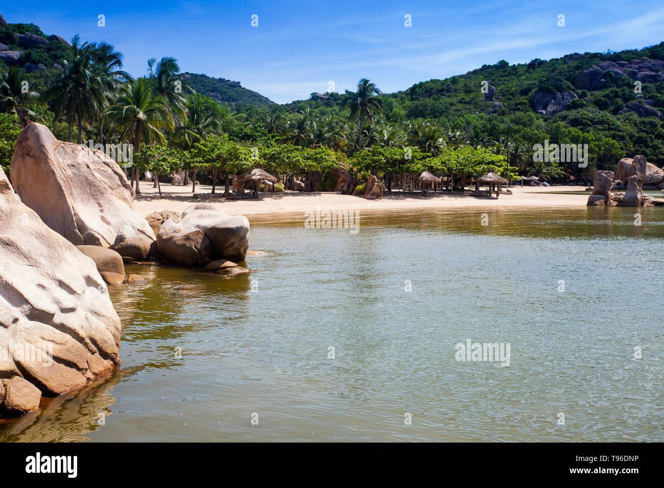 The beach from the Small bungalow resort Ngoc Suong, in Cam Ranh Bay,south china sea, Nha Trang, Vietnam, Asia - Stock Image
