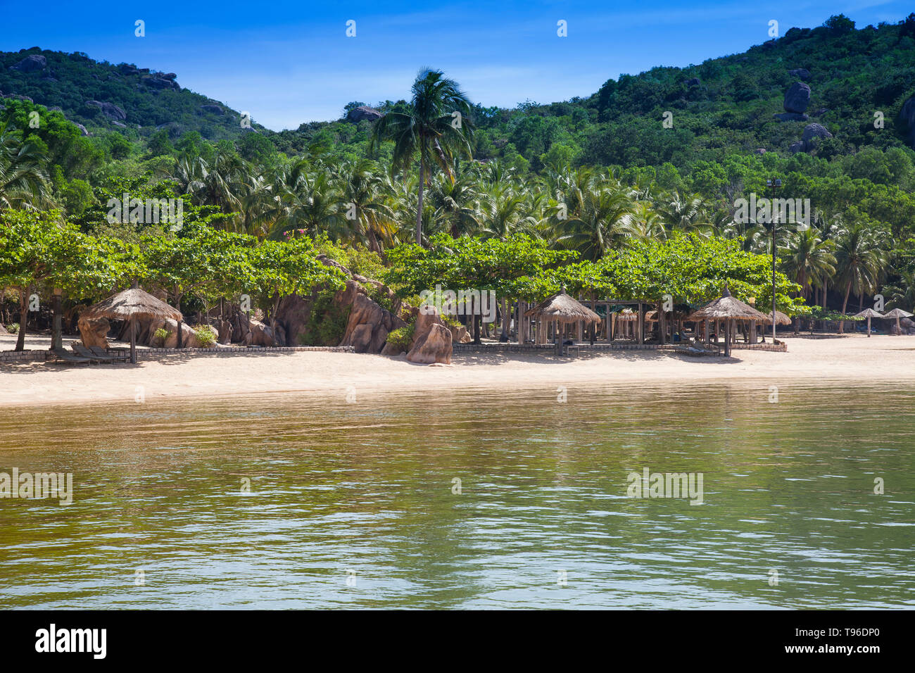 The beach from the Small bungalow resort Ngoc Suong, in Cam Ranh Bay,south china sea, Nha Trang, Vietnam, Asia Stock Photo