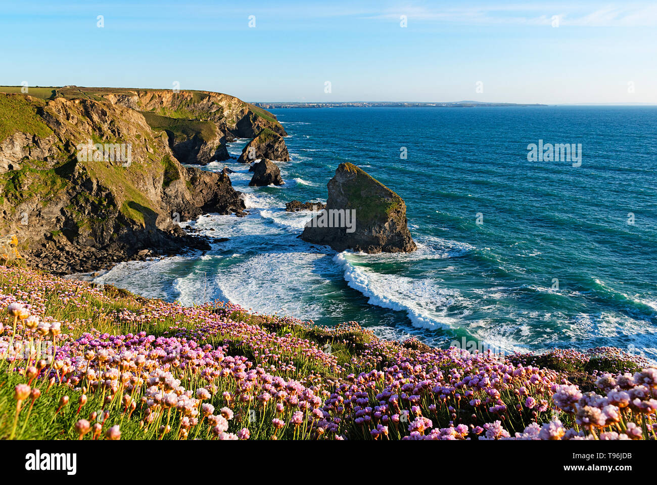 sunset at bedruthan steps in cornwall england uk Stock Photo