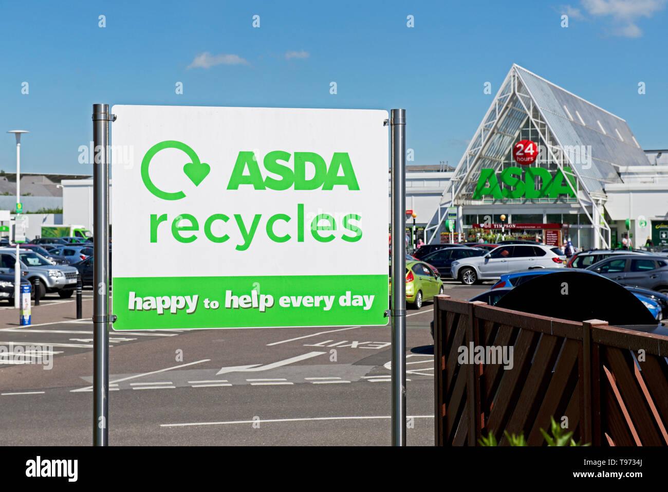 ASDA supermarket in Lakeside Village, Doncaster, South Yorkshire - Stock Image
