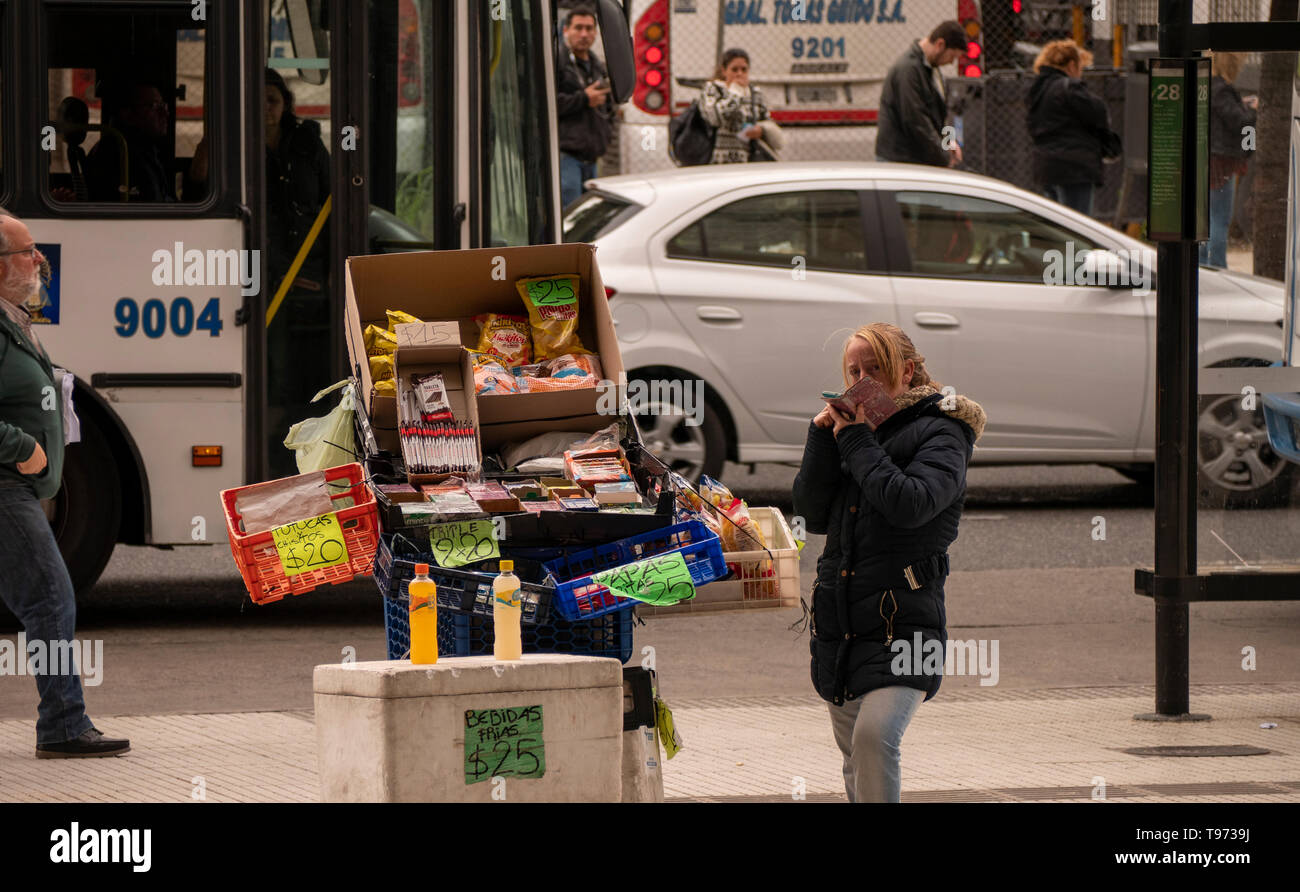 Crisis in Argentina. Recession and poverty are causing more and more people to resort to street selling to survive in the City of Buenos Aires. - Stock Image