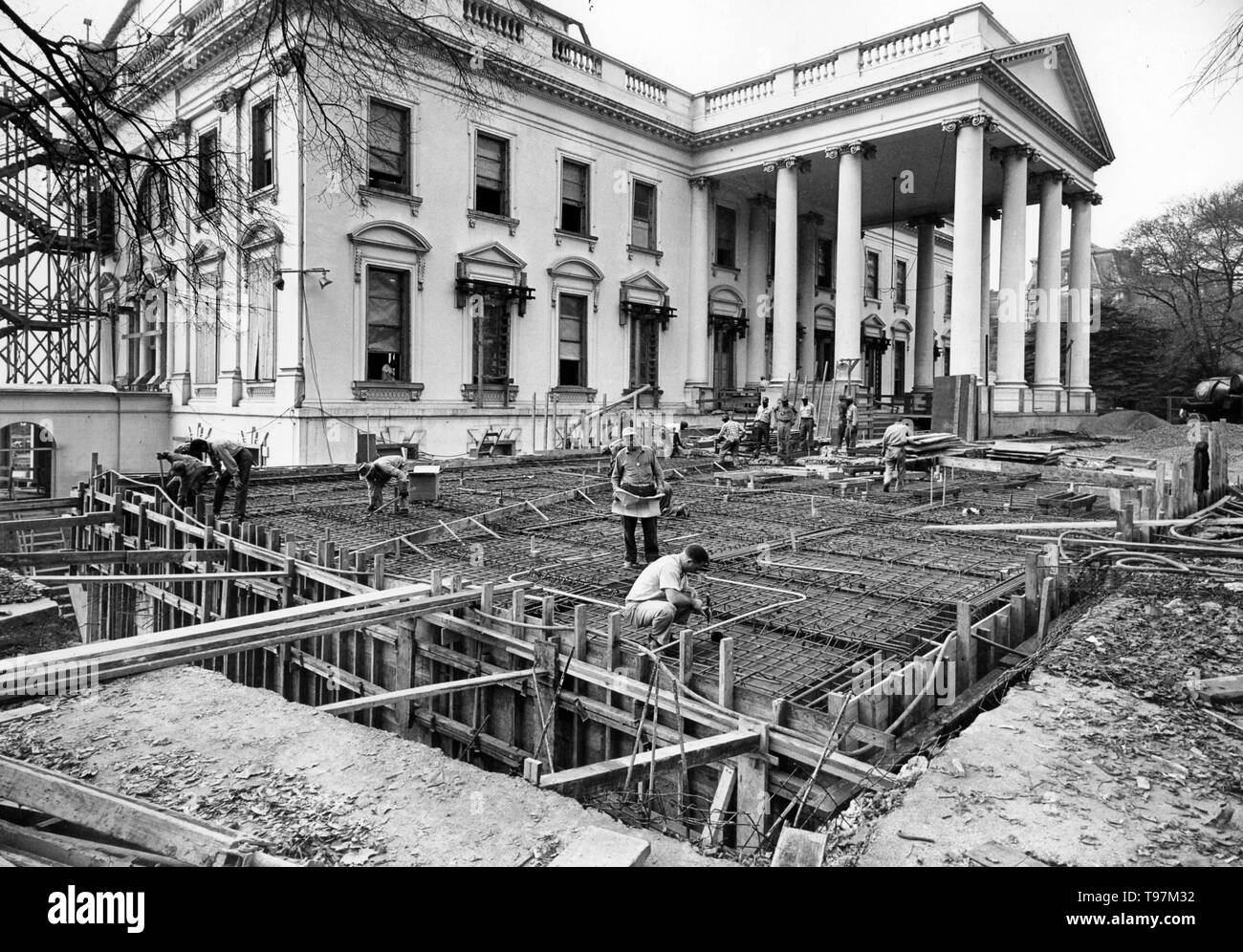 View of the Northeast Corner of the White House during the Renovation, 11/06/1950 - Stock Image