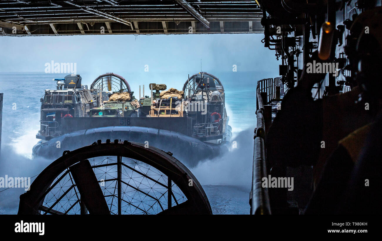 190503-M-ET529-0085 PACIFIC OCEAN (May 3, 2019) A landing