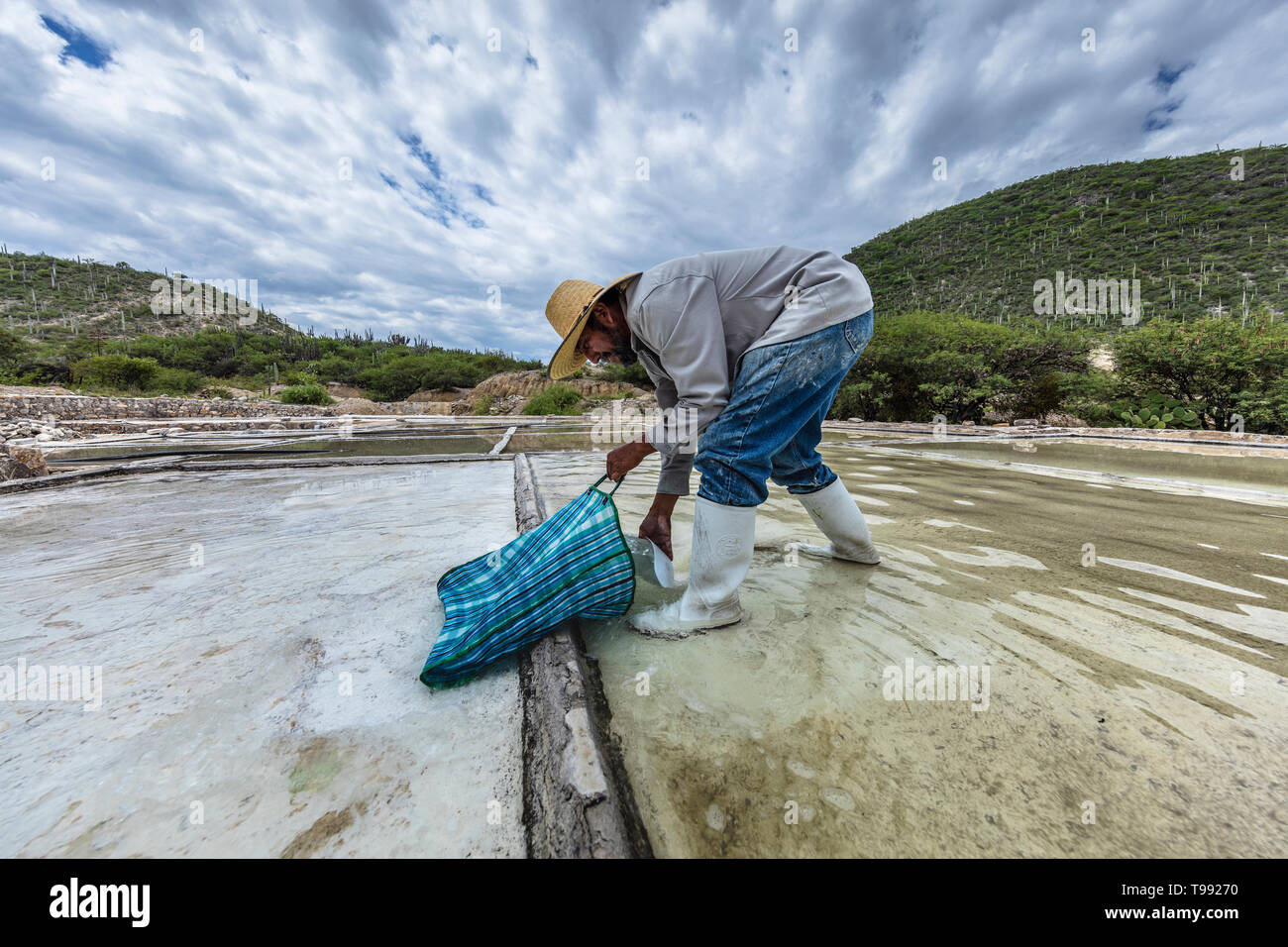 Traditional Salt making in the vally of Zapotitlan in Tehuacan City, Mexico Stock Photo