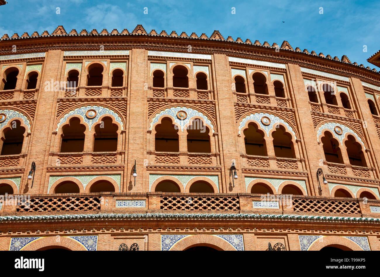 Las Ventas Bullring, 1931, large arena, Neo-Mudejar style, decorative tiles, red brick, close-up, intricate detail, arches, Europe; Madrid; Spain; spr - Stock Image