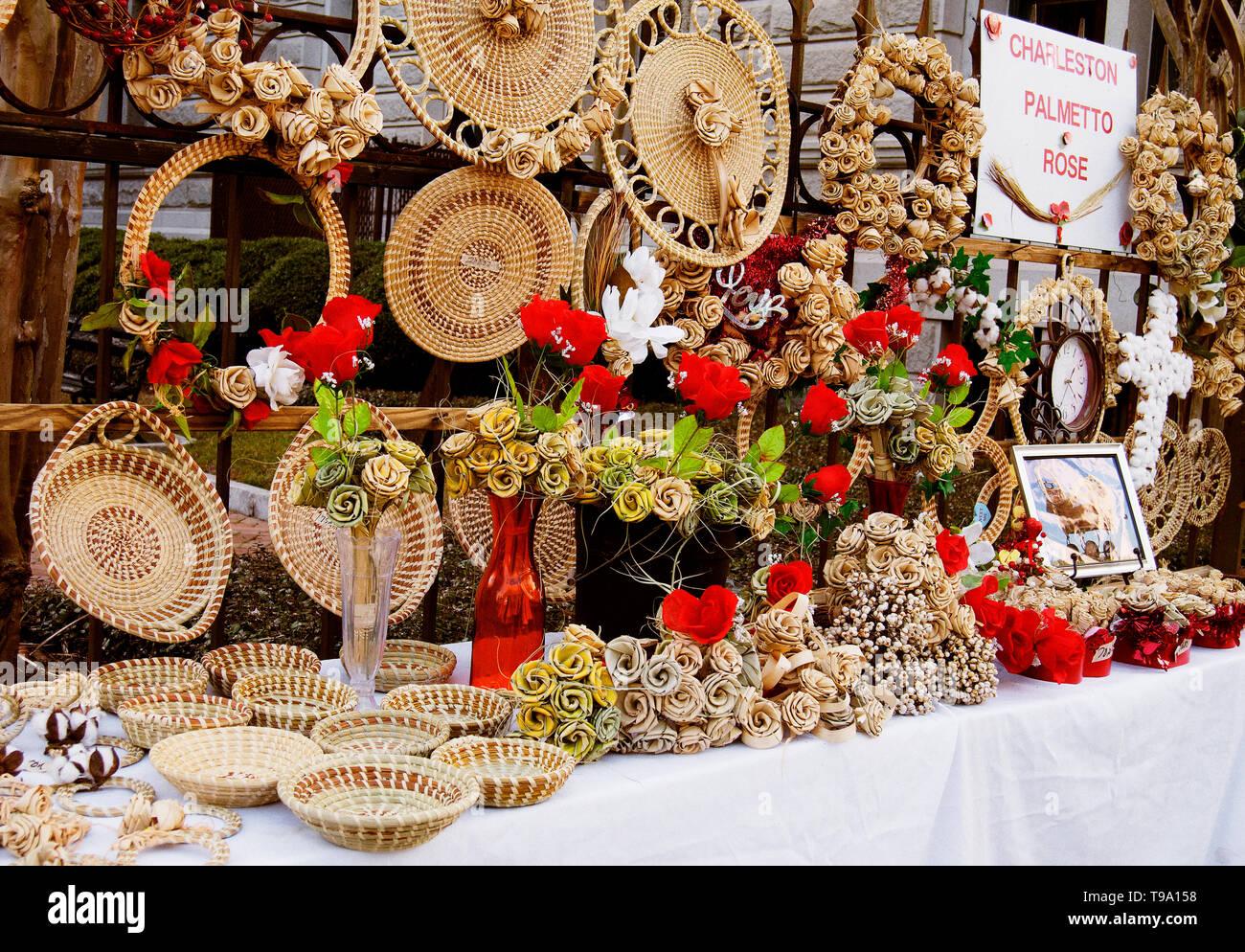 gullah basket weaving display, Charleston SC - Stock Image