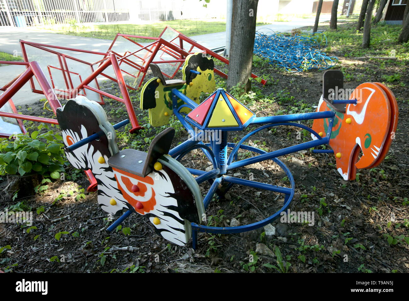 Ryazan, Russia. 17th May, 2019. RYAZAN, RUSSIA - MAY 17, 2019: Uninstalled equipment on a children's playground in Ryazan's Lesopark. On May 16, 2019, journalists complained to Russian President Vladimir Putin about the absence of a children's playground which had been largely funded by the city budget. Alexander Ryumin/TASS Credit: ITAR-TASS News Agency/Alamy Live News Stock Photo