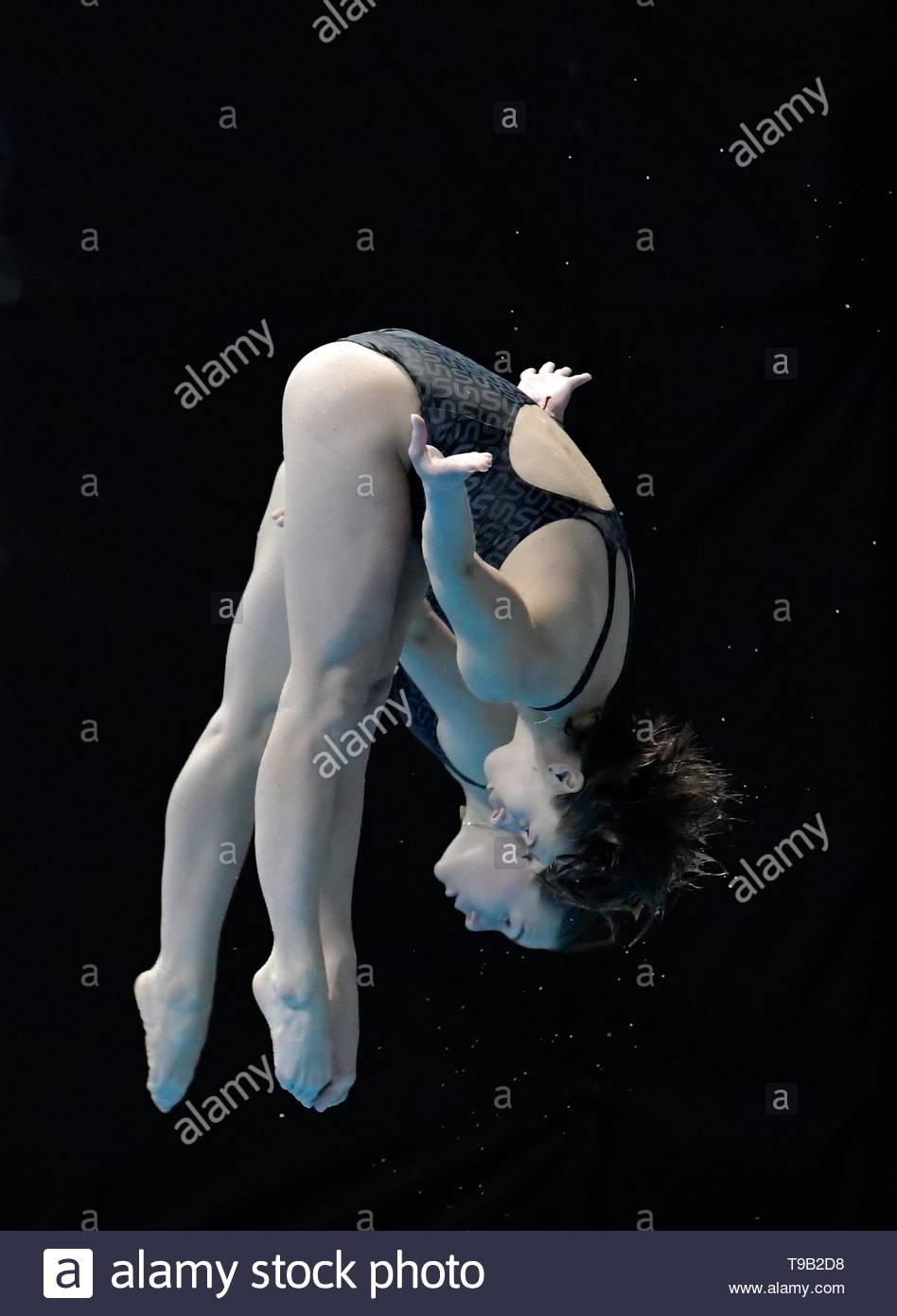 London UK 17th Ma7 2019 FiINA/CNSG Diving World Series 2019 London at Olympic Pool Queen Elizabeth Park London UK Women's 3m Synchro Springboard Final Viktoriya Kesar & Anna Pysmenska UKR - Stock Image