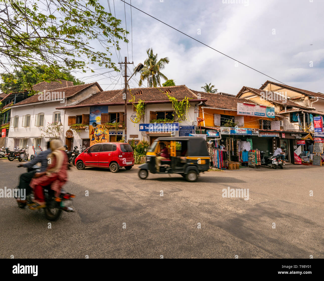 Horizontal streetview in Fort Kochi, India. - Stock Image