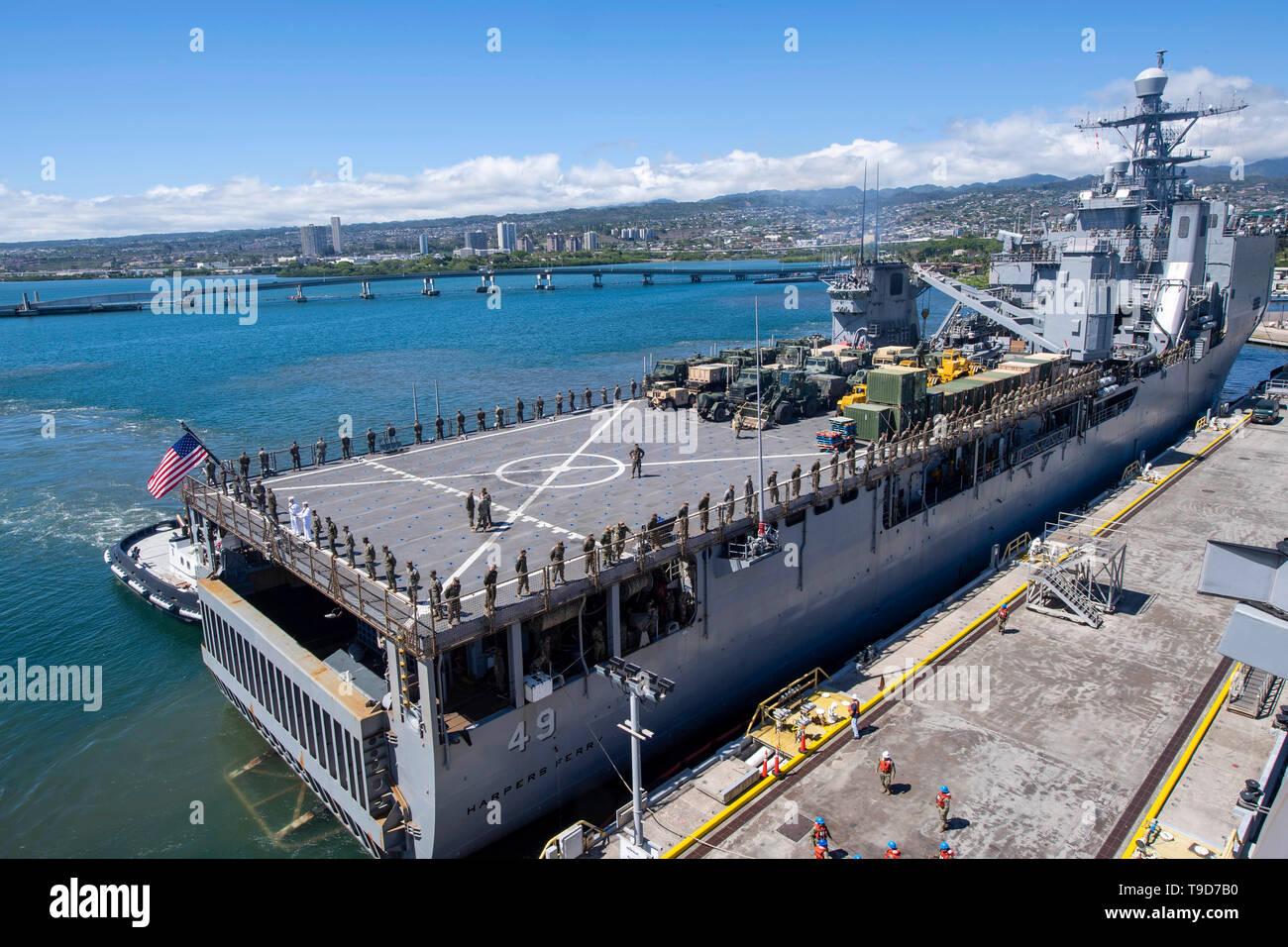 uss harpers ferry lsd 49 stock photos  u0026 uss harpers ferry lsd 49 stock images