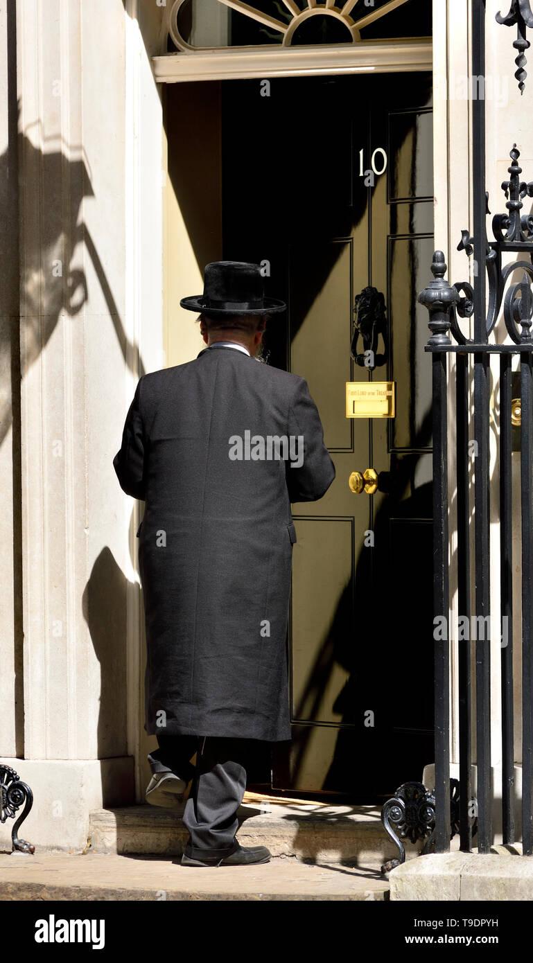 London, England, UK. Abraham Pinter - Haredi rabbi/politician from Stamford Hill, represents Haredi interests on the London Jewish Forum. Entering 10  - Stock Image